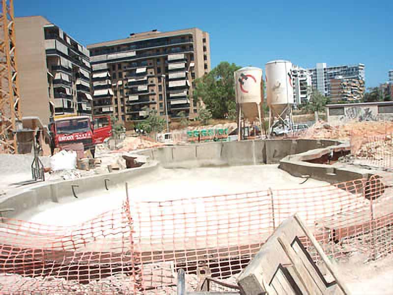 piscina comunitaria de forma irregular