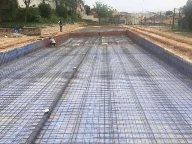 Colocación estructura gunitado piscina