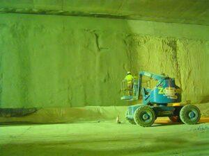 Gunitado de pantallas en el interior de tuneles